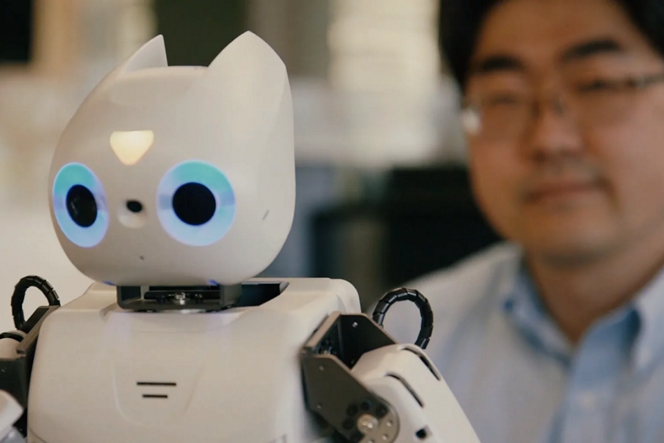 Dr. Chung-Hyuk Park is using robots to help children with autism communicate