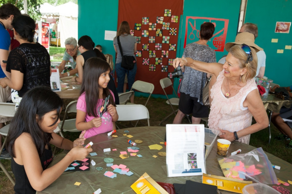 More than 700 visitors put together pieces for The Textile Museum's Chinese quilt at the Smithsonian Folklife Festival.