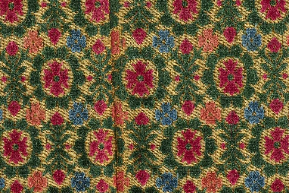A close-up fragment of velvet from the digitized Textile Museum Collection.
