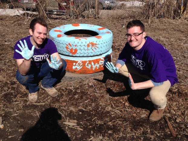 In Chicago, students worked with urban farmers and gardeners. (Photo courtesy Eilish Zembilci)