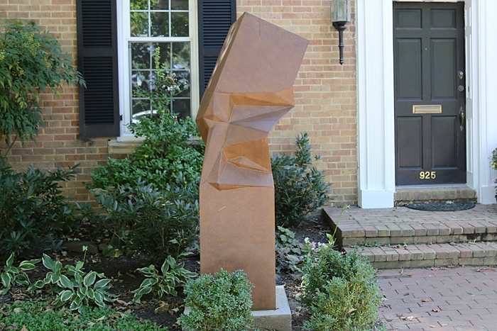 Monument by Richard Vosseller  - 925 26th St. NW.