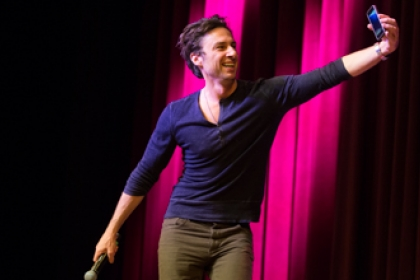 Zach Braff speaks about his film career and college days at GW's Lisner Auditorium